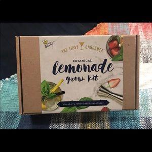 Lemonade Grow Kit. Botanical. Hobby Garden.